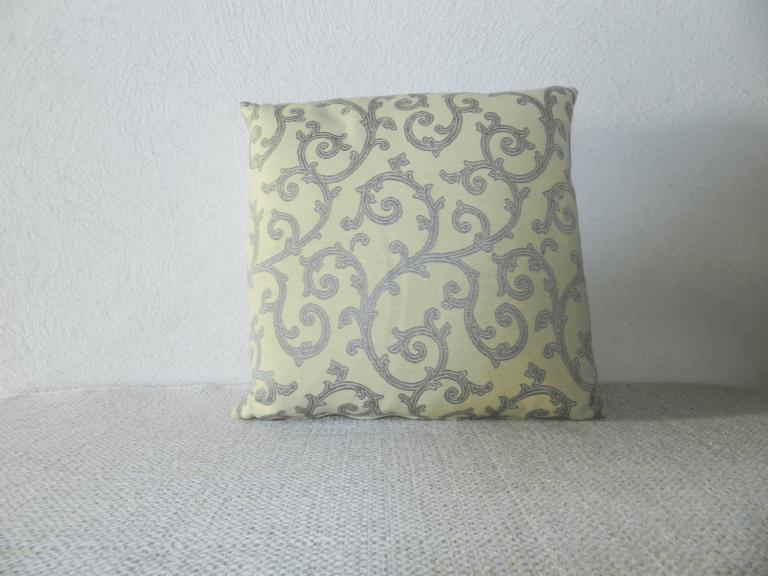 coussin motif arabesques